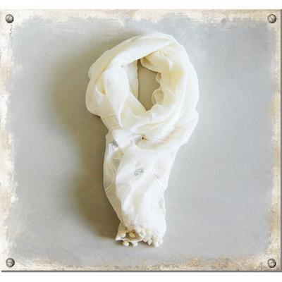 Tunn sjal i ljus vanilj - utgående