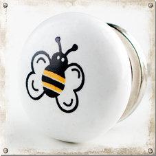 Vit knopp med gulligt bi