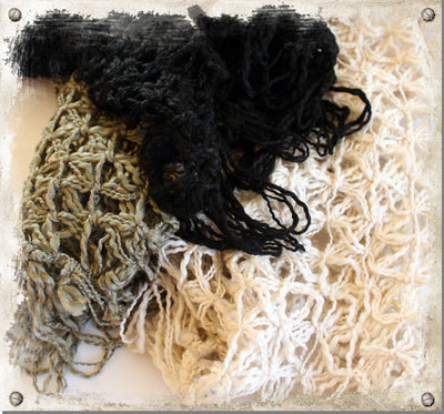 Stickad sjal svart